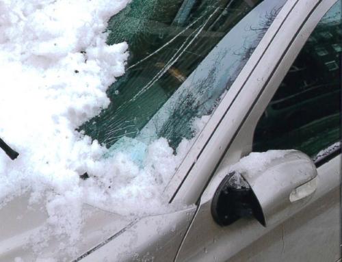 16.2.21 Achtung Dachlawinen. Wer haftet, wenn ein Auto beschädigt wird?